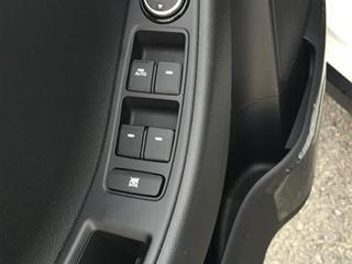 Bán ô tô Hyundai i20 Active năm 2015, màu trắng, nhập khẩu chính hãng-9