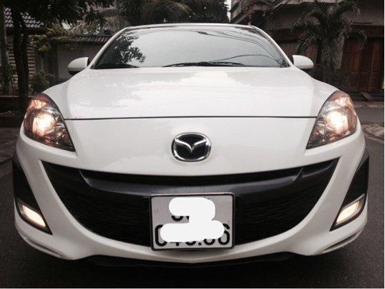 Cần bán lại xe Mazda 3 AT đời 2010, màu trắng, nhập khẩu chính hãng, số tự động-1