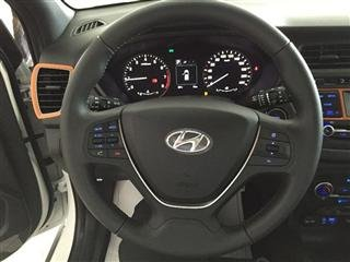 Bán ô tô Hyundai i20 Active năm 2015, màu trắng, nhập khẩu chính hãng-8