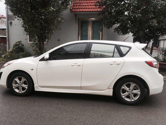 Cần bán lại xe Mazda 3 AT đời 2010, màu trắng, nhập khẩu chính hãng, số tự động-2