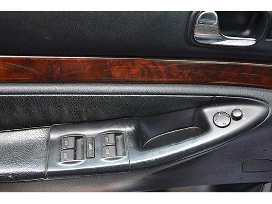 Bán Audi A4 sản xuất 2000, màu đỏ, nhập khẩu chính hãng số sàn, 345tr-3