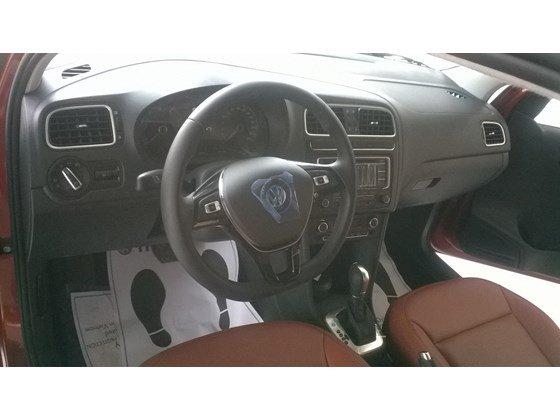 Cần bán Volkswagen Polo đời 2015, nhập khẩu chính hãng-1
