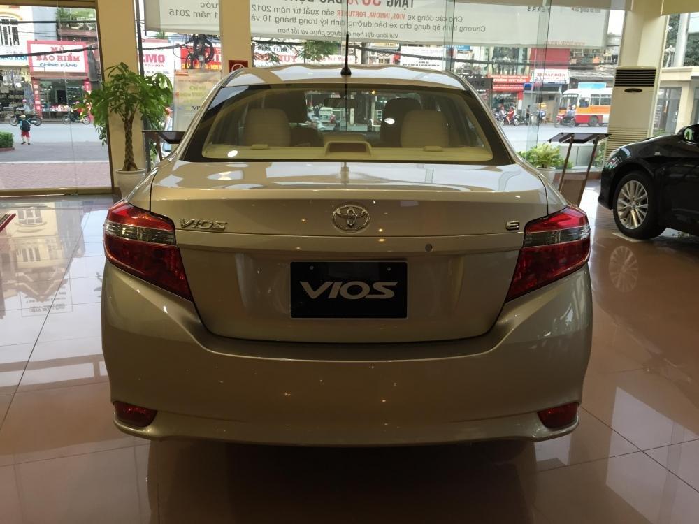 Bán xe Toyota Vios năm 2015, màu bạc, 595tr-1