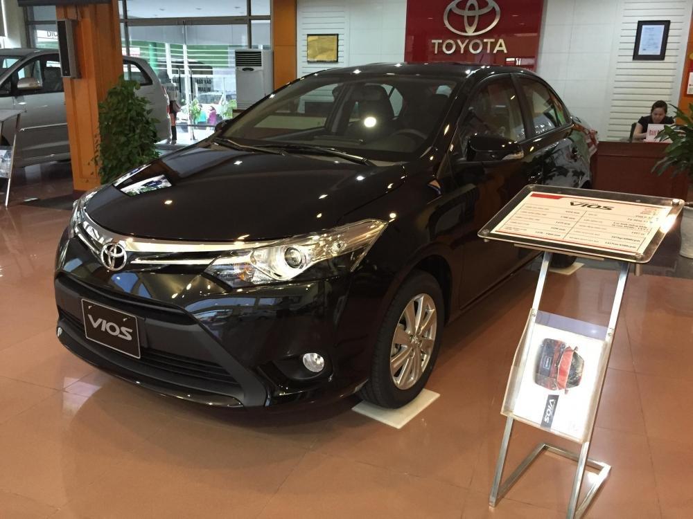 Cần bán xe Toyota Vios 2015, màu xám-3