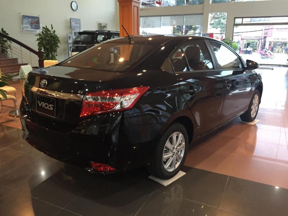 Cần bán xe Toyota Vios 2015, màu xám-6