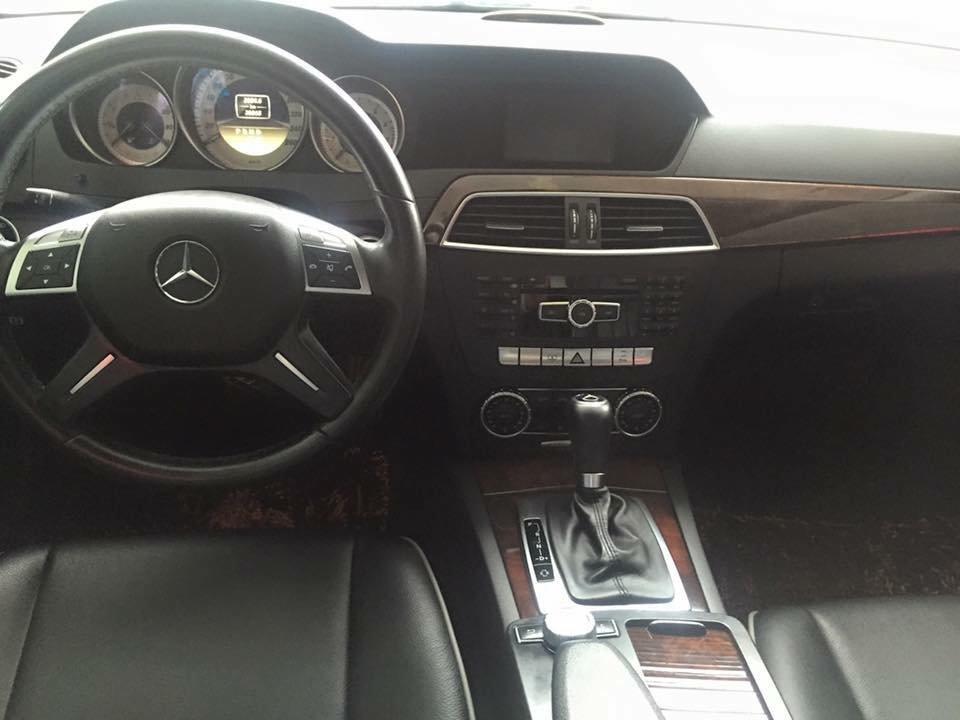 Bán ô tô Mercedes C250 đời 2011, màu đen, nhập khẩu chính hãng-1