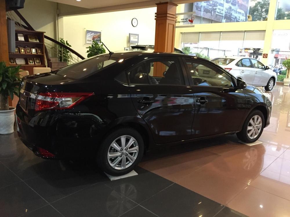 Cần bán xe Toyota Vios 2015, màu xám-0