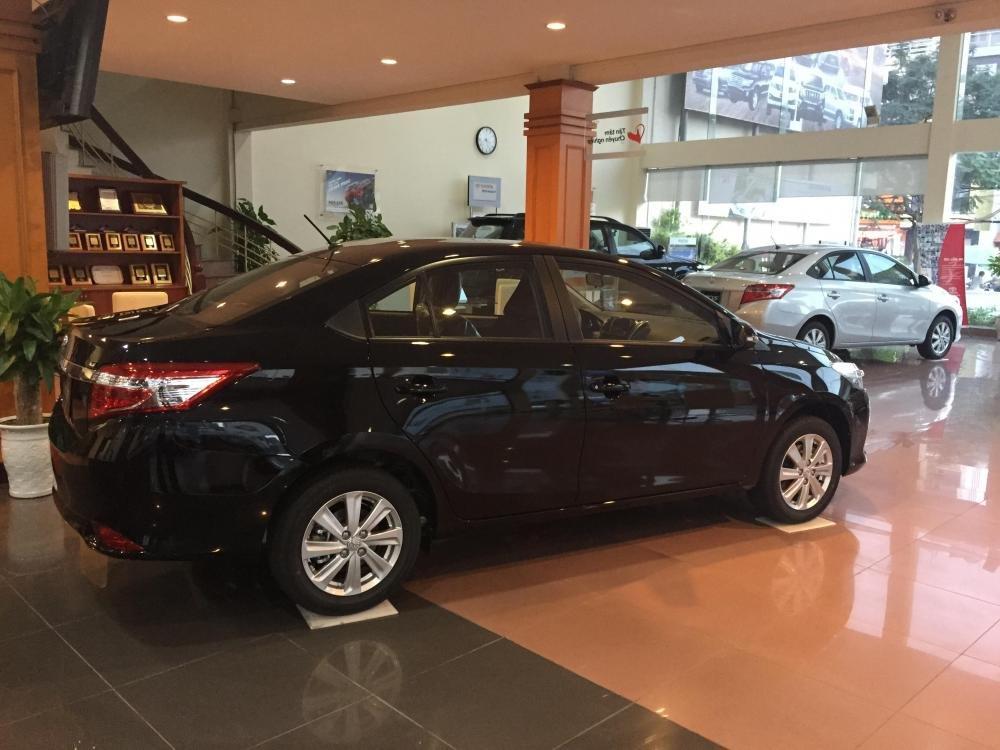 Cần bán xe Toyota Vios 2015, màu xám-7