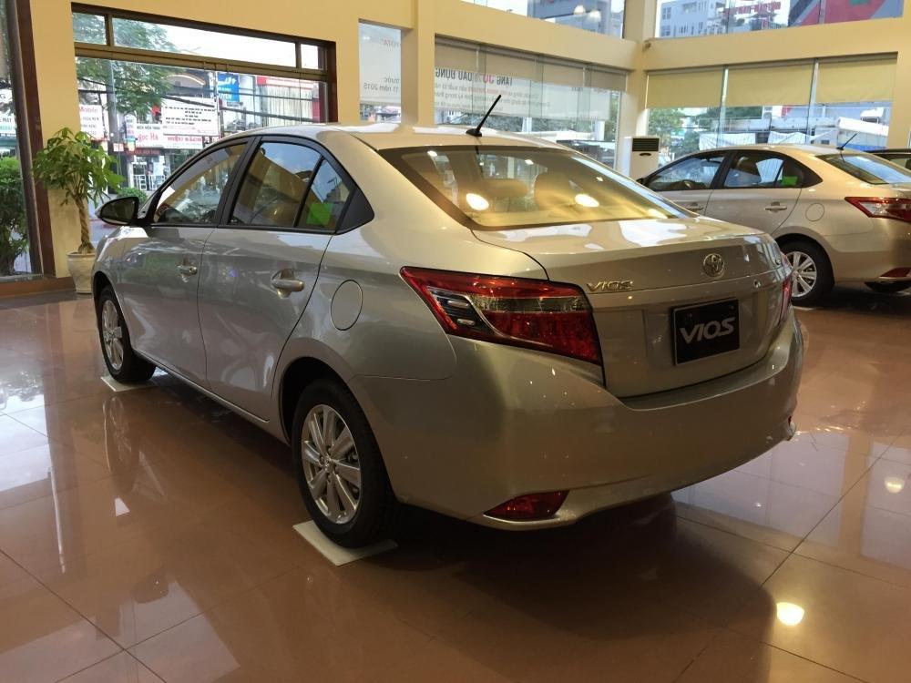 Bán xe Toyota Vios năm 2015, màu bạc, 595tr-4