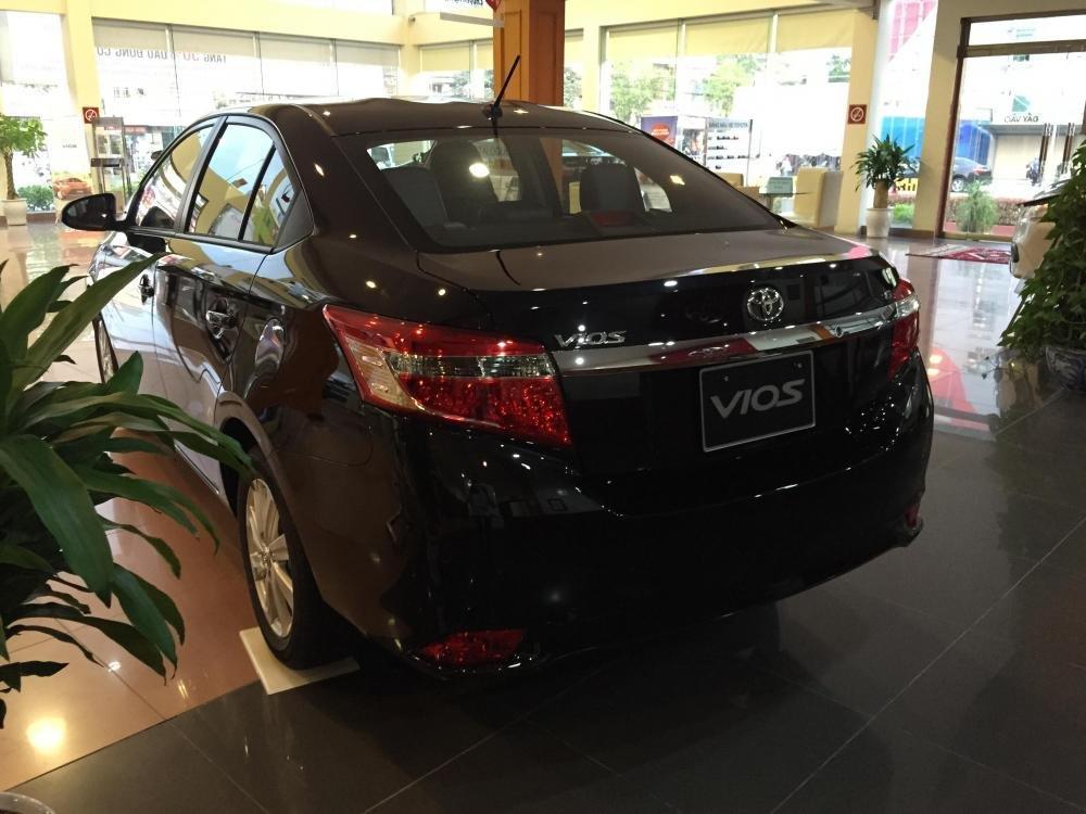 Cần bán xe Toyota Vios 2015, màu xám-4