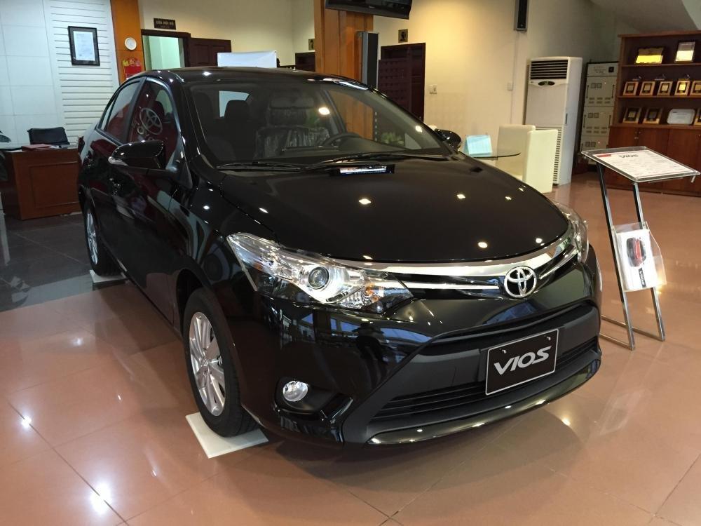Cần bán xe Toyota Vios 2015, màu xám-1