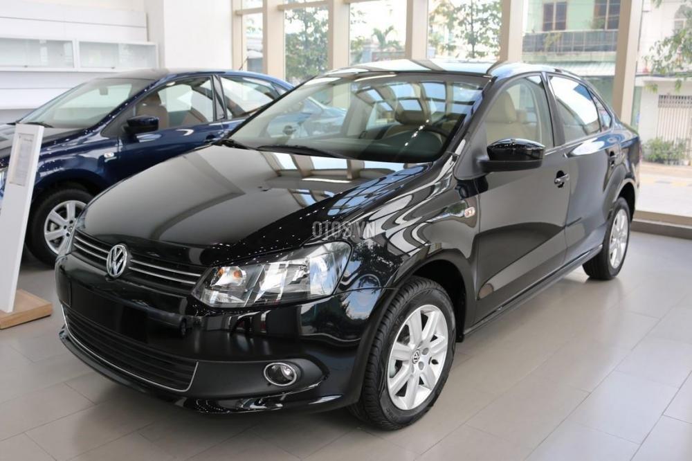 Bán Volkswagen Polo đời 2015, màu đỏ, nhập khẩu chính hãng-3