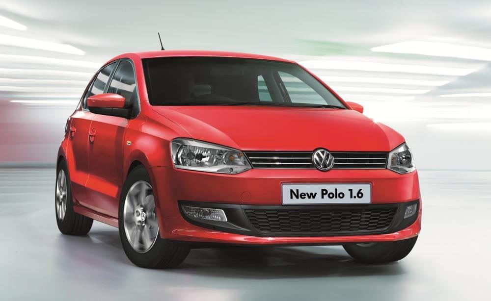 Cần bán xe Volkswagen Polo đời 2015, màu đỏ, nhập khẩu nguyên chiếc, 630tr-0