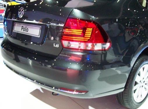Bán Volkswagen Polo đời 2015, màu đỏ, nhập khẩu chính hãng-8