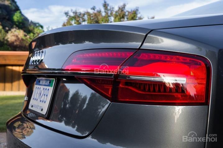 Đánh giá xe Audi S8 2016: Thiết kế đèn được tinh chỉnh