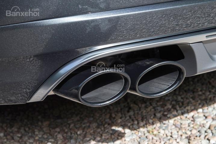 Đánh giá xe Audi S8 2016: Ống xả có thiết kế lớn