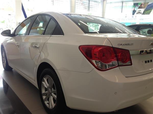 Bán ô tô Chevrolet Cruze LS đời 2016-0