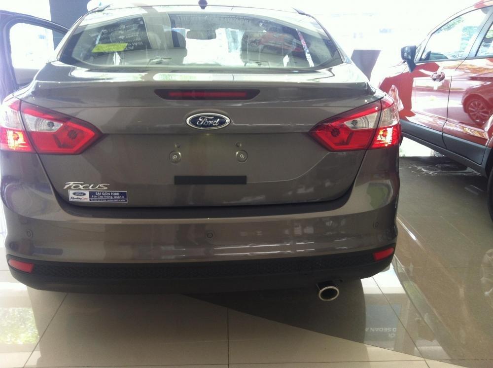 Ford Focus đời 2015, màu xám giá cạnh tranh-4