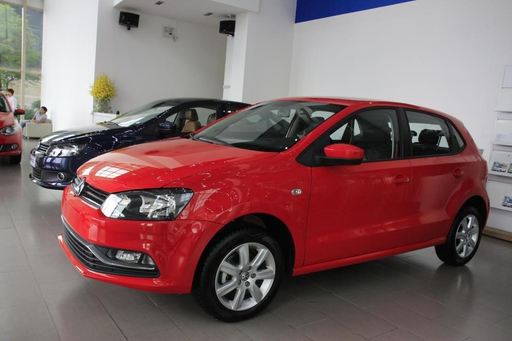 Cần bán Volkswagen Polo đời 2015, màu đỏ, xe nhập-1