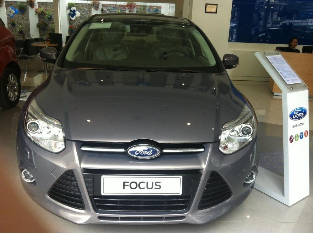 Ford Focus đời 2015, màu xám giá cạnh tranh-1