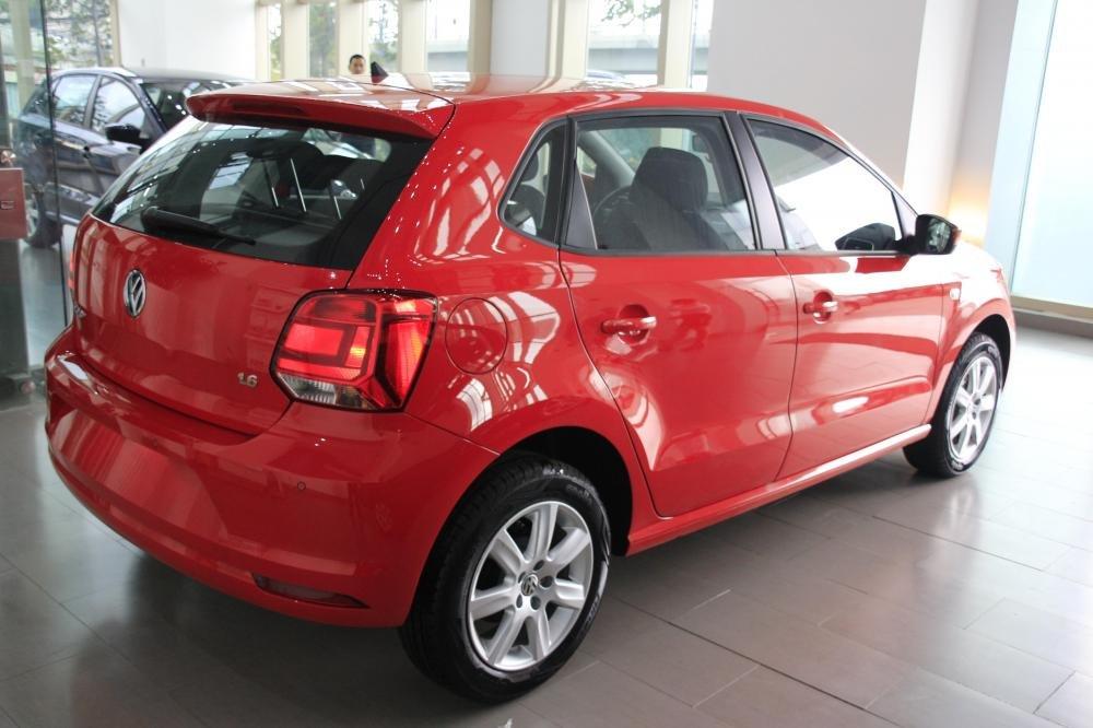 Cần bán Volkswagen Polo đời 2015, màu đỏ, xe nhập-3
