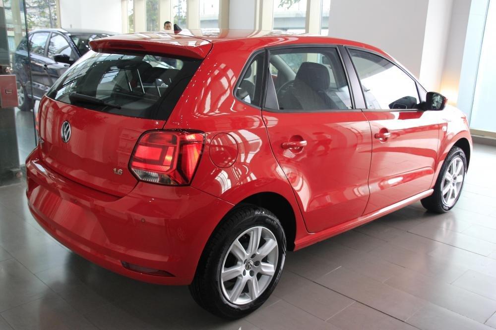 Cần bán Volkswagen Polo đời 2015, màu đỏ, xe nhập-2