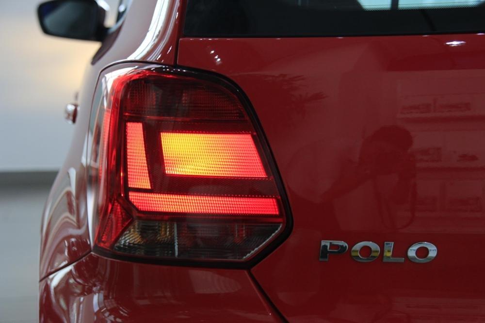 Cần bán Volkswagen Polo đời 2015, màu đỏ, xe nhập-4