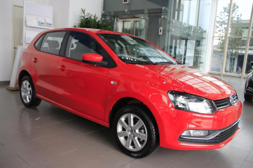 Cần bán Volkswagen Polo đời 2015, màu đỏ, xe nhập-0