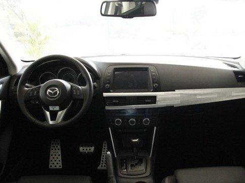So sánh nội thất Kia Sportage 2016 và Mazda CX-5 1