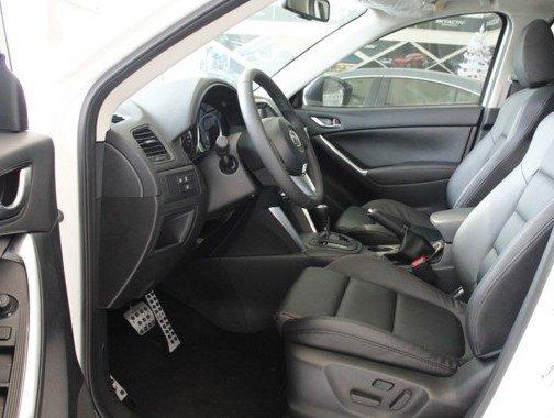 Ghế ngồi của Mazda CX-5 2015 êm ái và thoải mái.