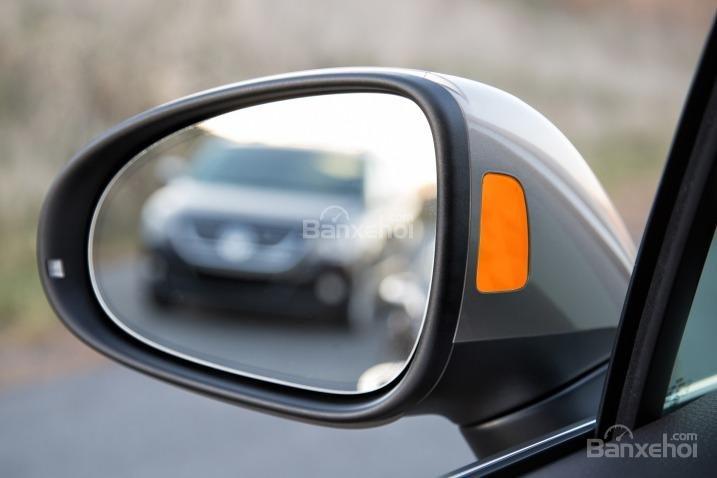 Đánh giá xe Volkswagen Touareg 2016: Công nghệ mới cũng được ứng dụng cho gương chiếu hậu