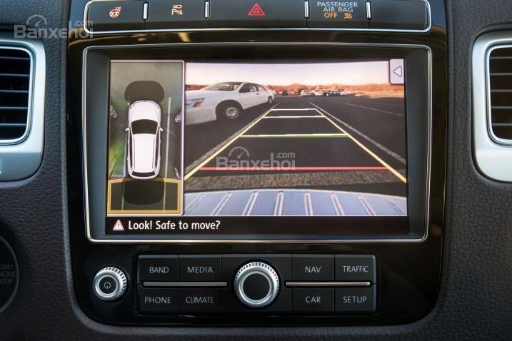 Đánh giá xe Volkswagen Touareg 2016: Hay như hệ thống thông tin liên lạc khẩn cấp,...