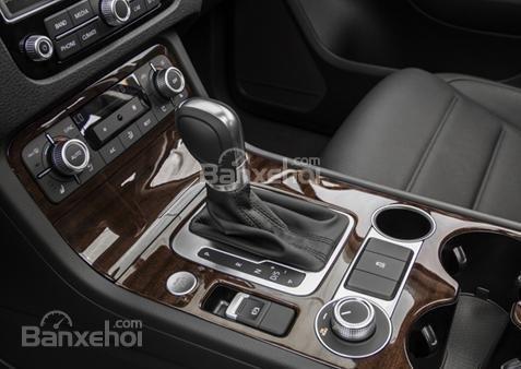 Đánh giá xe Volkswagen Touareg 2016: Có nhiều chi tiết ốp gỗ
