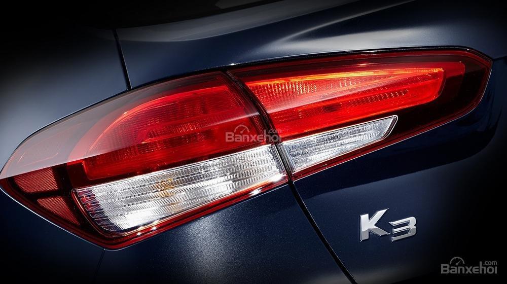 Đánh giá xe Kia K3 2016 phần đuôi 1