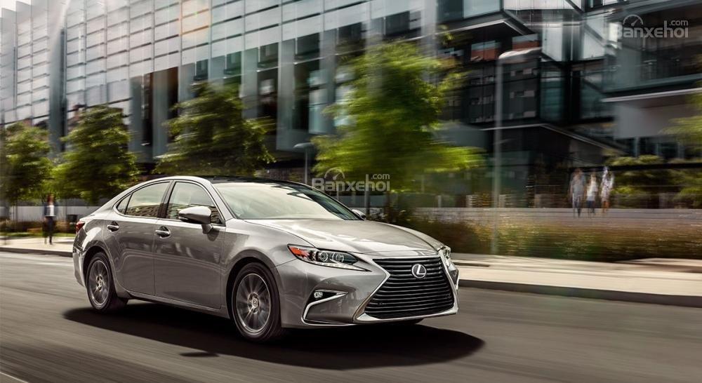 Đánh giá xe Lexus ES 350 2016: Thiết kế thanh lịch, nội thất sang trọng.