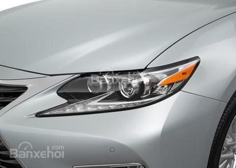 Đánh giá xe Lexus ES 350 2016: Đèn pha chạy ban ngày