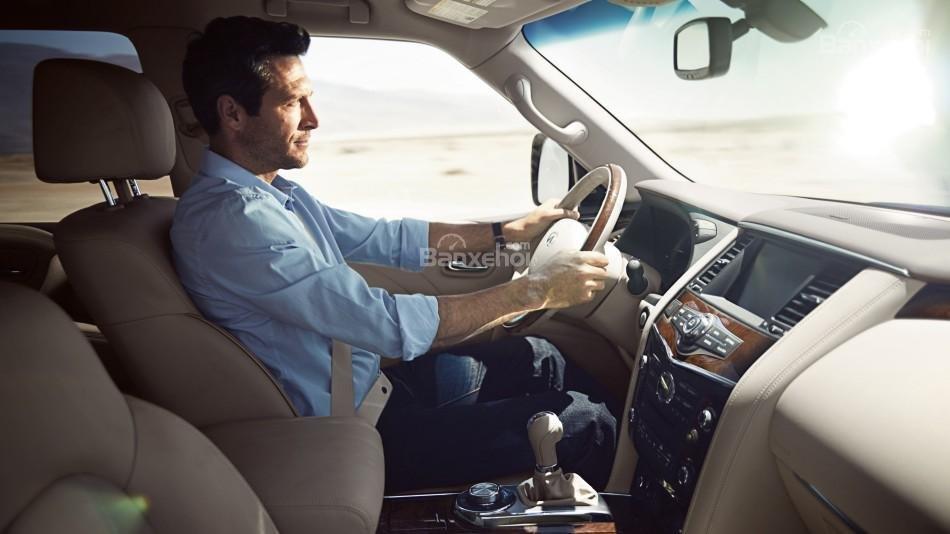 Đánh giá xe Infiniti QX80 2016: Cho cảm giác lái tinh tế