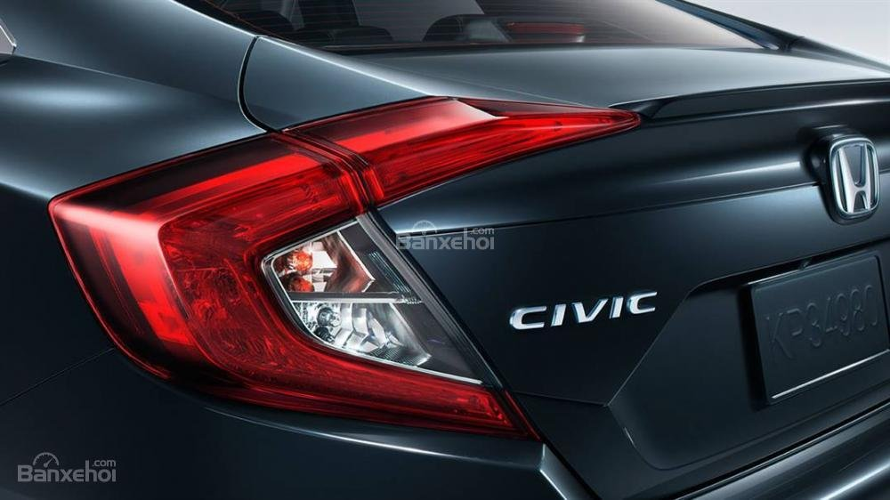 Honda Civic phần đuôi xe 3.
