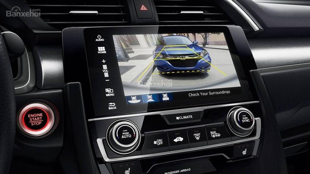 Tiện ích Honda Civic 2016a.