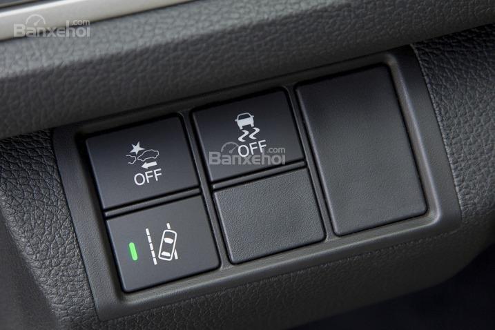 Tiện ích Honda Civic 2016d.
