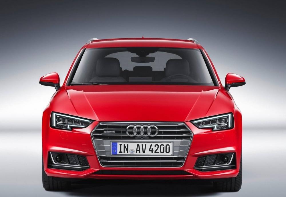 Đầu xe Audi A4 Avant 1