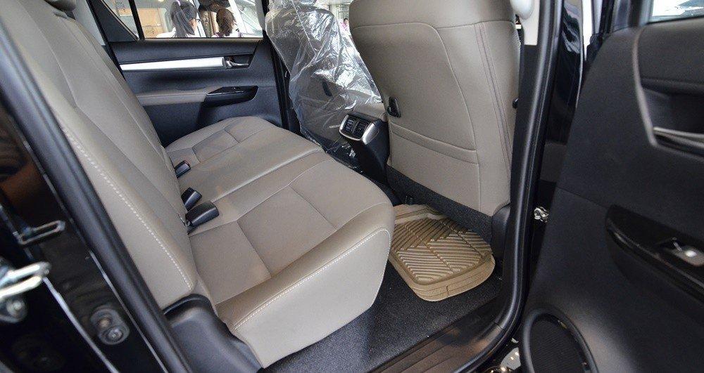 Ghế ngồi của Toyota Hilux 2016.