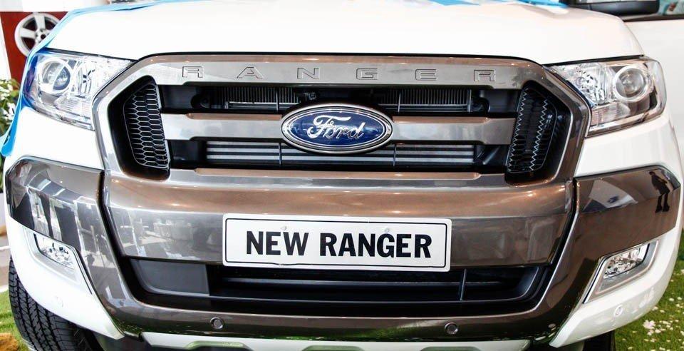 Đầu xe Ford Ranger sở hữu phong cách thiết kế khỏe mạnh, cứng rắn.