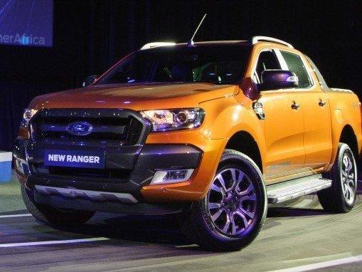 So sánh xe Ford Ranger 2016 và Toyota Hilux 2016 a.