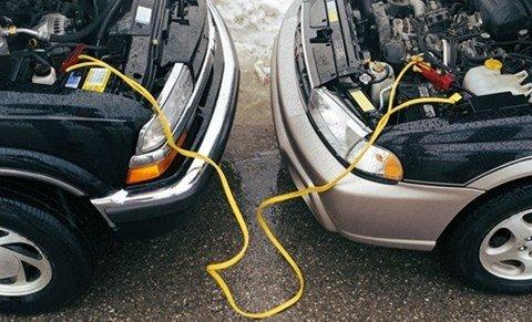 Kinh nghiệm khắc phục xe ô tô chết máy do hỏng hoặc hết ắc quy 2a