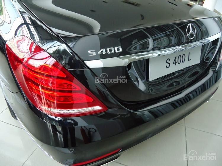 Đánh giá xe Mercedes-Benz S400L 2015 phần đuôi xe 3