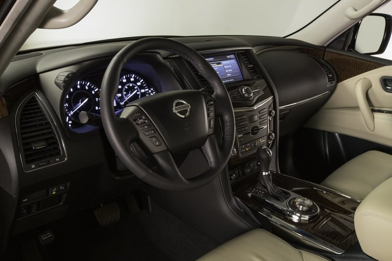 Nissan Armada 2017 chi tiết.