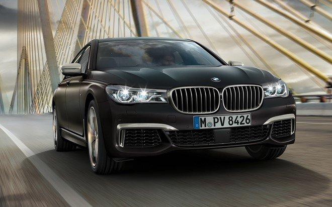 BMW M760Li được bộ phận M Performance của BMW chăm chút kỹ lưỡng về kiểu dáng