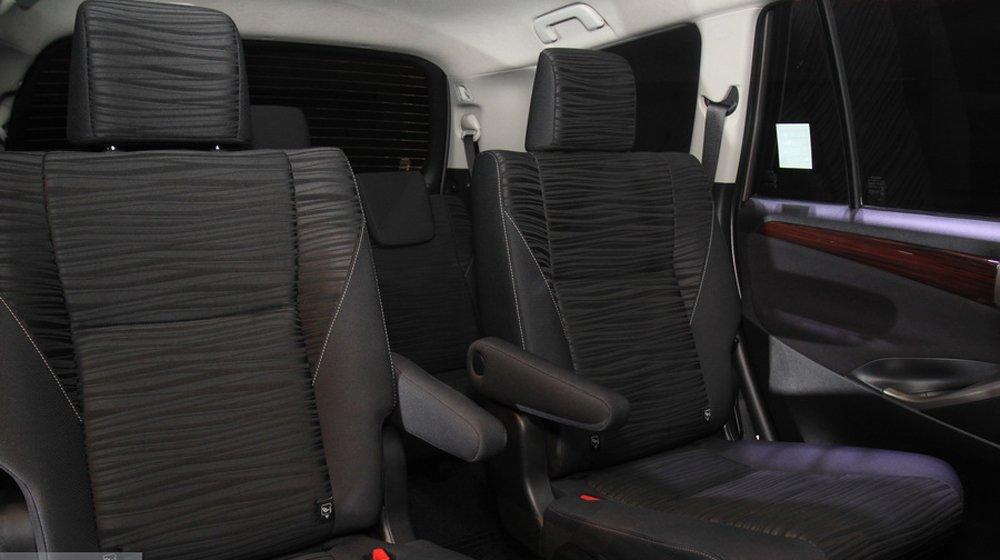 Các ghế ngồi của Toyota Innova 2016 được bọc da cao cấp.