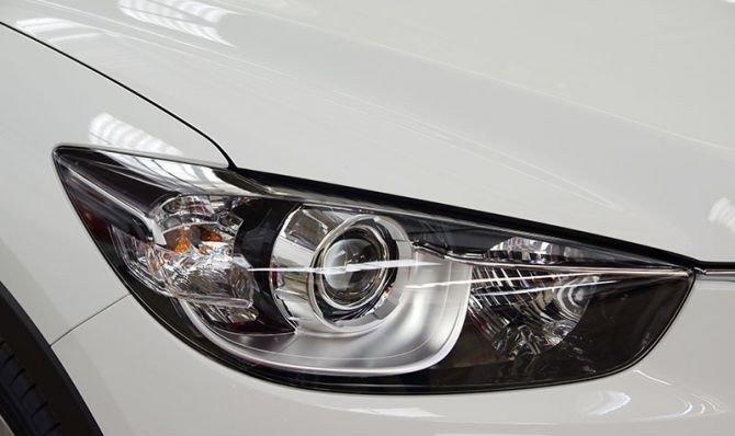 Cụm đèn pha của Mazda CX-5 2014 A.